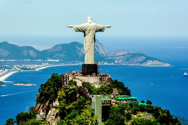 Top-16-Statues-of-the-World-Christ-the-Redeemer
