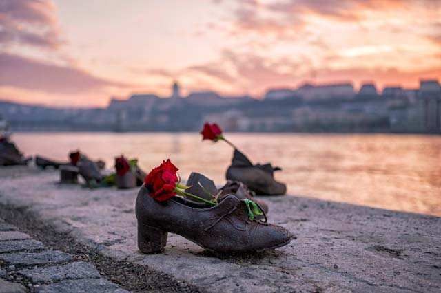 Shoe-Statue-on-the-Danube-Shore-Budapest-Hungary
