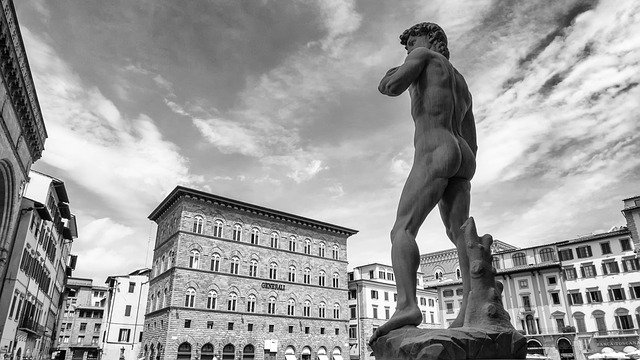 Top-16-Statues-of-the-World-Statue-of-David-Florence-Italy